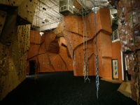nicros-climbing-wall-ve-st-paul-1