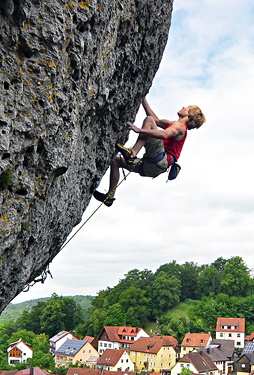 Power climbing in the Frankenjura (Germany). Hörst photo.